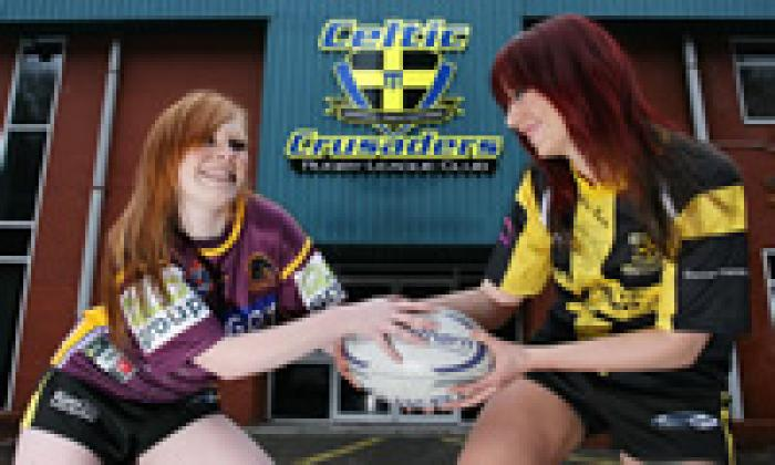 celtic_crusaders_brisbane_cheerleaders_070201.jpg